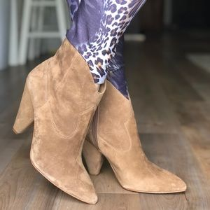 Vince Camuto NEW booties